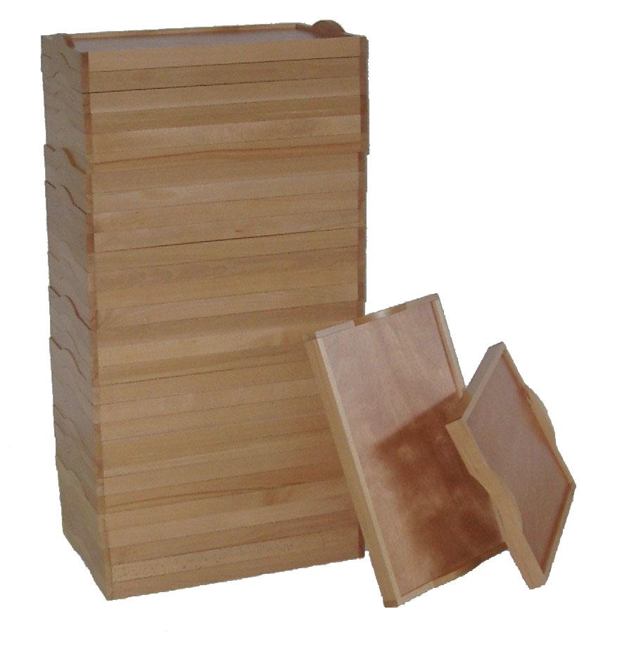 Plateau petit déjeuner en bois massif empilable Modèle 04